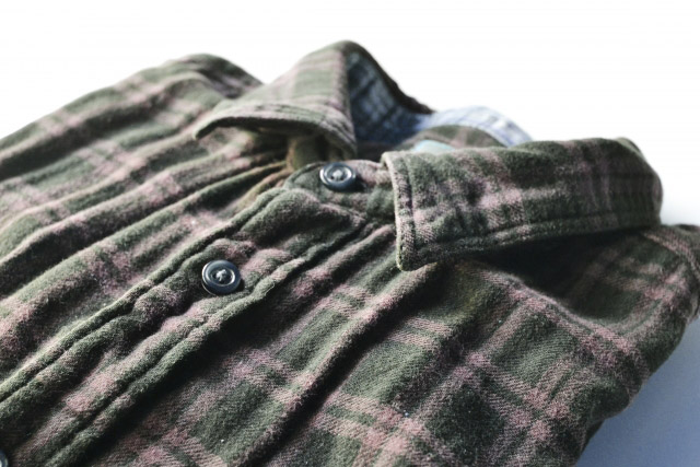 緑のネルシャツ